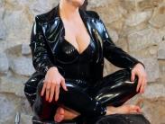rubber-femdom-slave-14